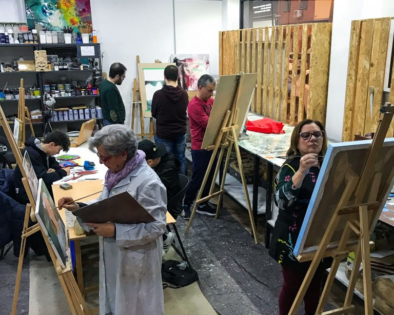 Clases de pintura en la academia de Hachea Estudio